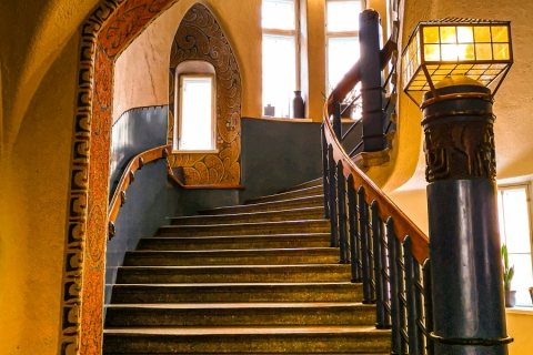 Pirjo Uimonen - Vanha portaikko